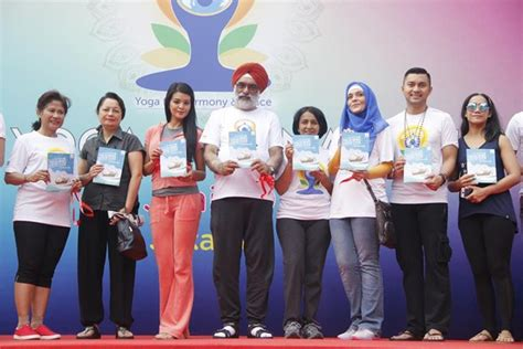 Topi Chef Ikat By Malika Indonesia indian embassy releases comic book on india indonesia