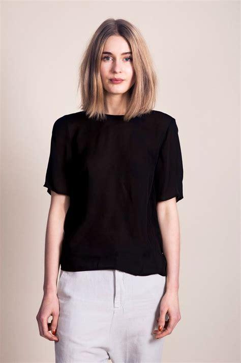 collarbone length wavy hair collarbone length hair by good grace hair style