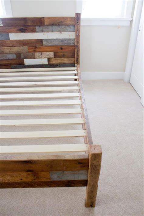queen pallet bed pallet and barn wood queen bed 101 pallets