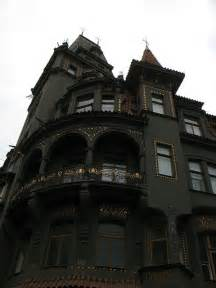 Victorian Gothic Homes Fun Spooky Stuff And Trivia Spooky Gothic Victorian Black