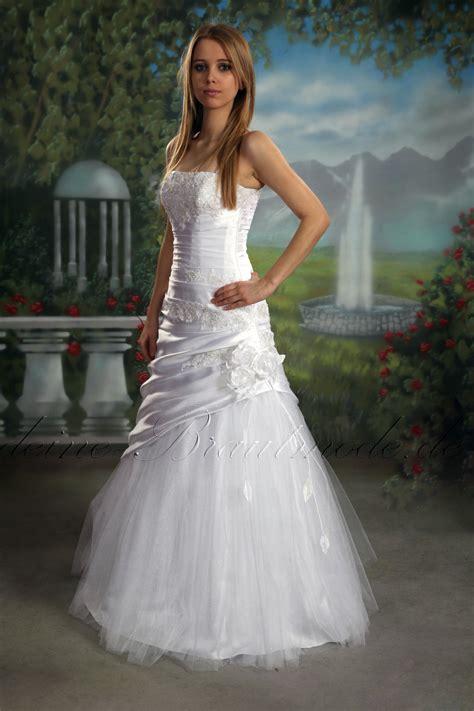 hochzeitskleid a linie figurbetontes brautkleid feminin kleid hochzeitskleid a