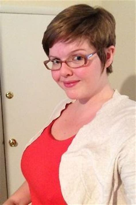pixie cuts for heavy women pixie haircuts for overweight women with glasses girl