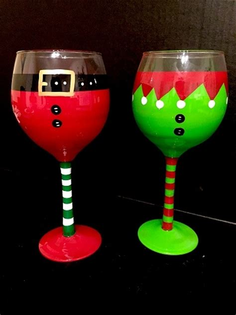 paint nite wine glasses paint nite santa wine glasses