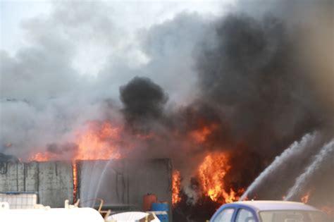 wohnungen lingenfeld gro 223 brand in lingenfeld rauchwolke 252 ber der s 252 dpfalz