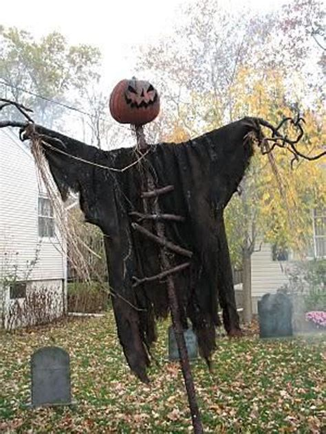 Scary Halloween Yard Displays | 25 cool and scary halloween decorations home design and