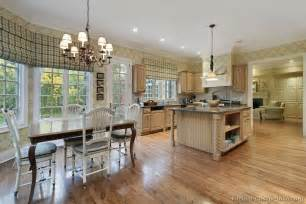 Kitchen Great Room Design Pictures Of Kitchens Traditional Light Wood Kitchen Cabinets Page 7