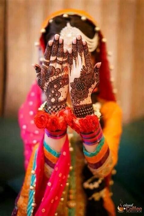 latest bridal mehndi designs collection    wedding brides