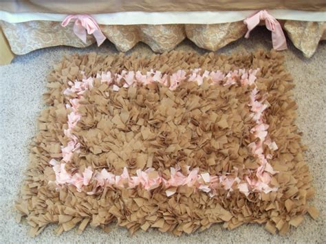 how to make a shaggy rag rug s never ending projects s shaggy raggy rug