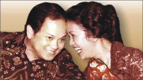 biografi pengarang novel habibie dan ainun kisah romantis presiden indonesia dari soekarno hingga