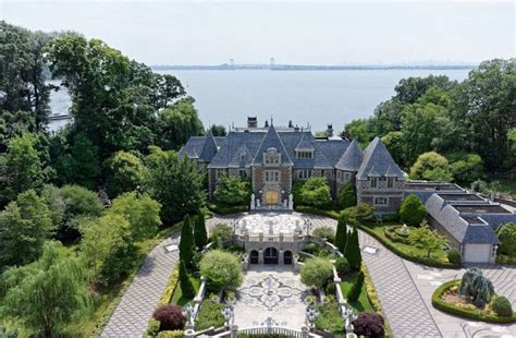great gatsby long island long island mansion inspired by the great gatsby on the
