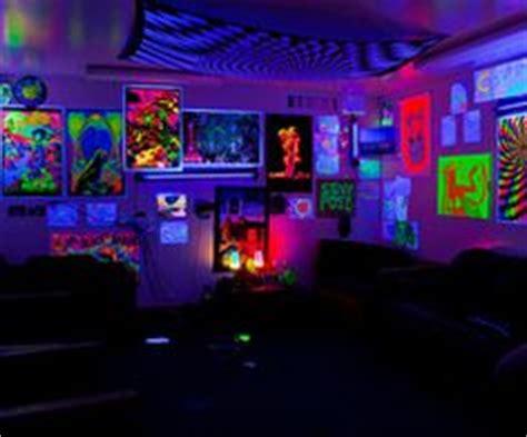 black lights in bedroom 1000 images about bedroom blaklite on black