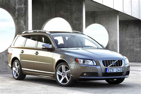 volvo v70 weight volvo v70 2 4d laptimes specs performance data