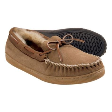 cabela slippers cabela s s shearling slippers cabela s canada