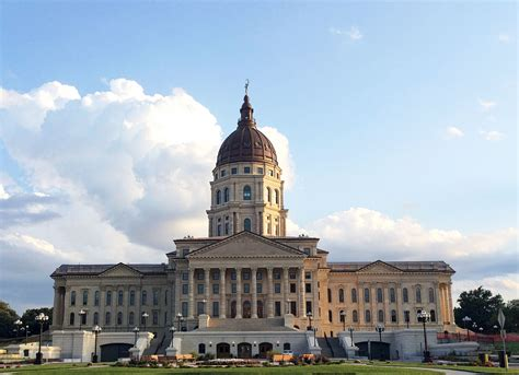 The Kansas Statehouse / multiple choice   December 19