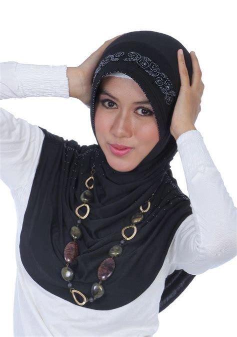 Athena Abu Tua serba usaha kita model model jilbab terbaru tahun 2012