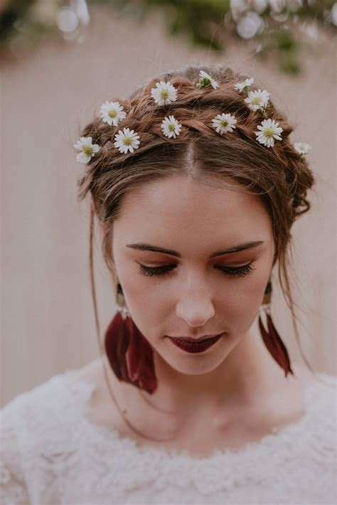 Wedding Hairstyles With Real Flowers by 20 Bridal Hairstyles With Real Flowers Southbound