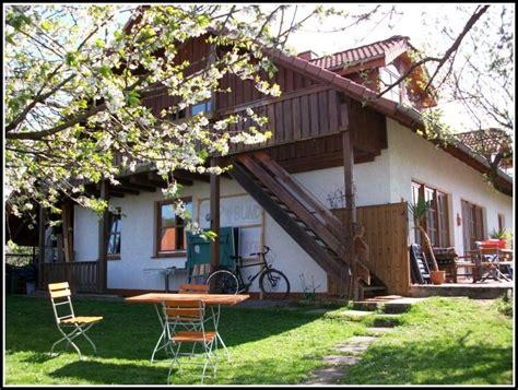 Teppich Auf Balkon by Rasen Teppich Auf Balkon Balkon Hause Dekoration