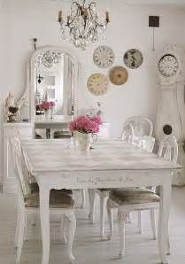 This entry is part of 8 in the series refined shabby chic home decor