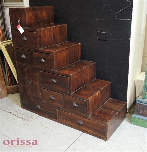 piccole cassettiere in legno cassettiera a scaletta in legno massello cx041 orissa