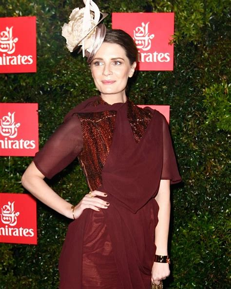 Other Designers Mischa Barton With Zoe For Leiber Medusa Handbag by Melbourne Cup Best Fashion Moments Fashion Quarterly