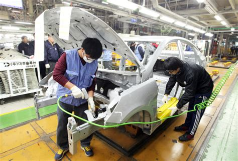 hyundai fails to bring plant back as dispute continues