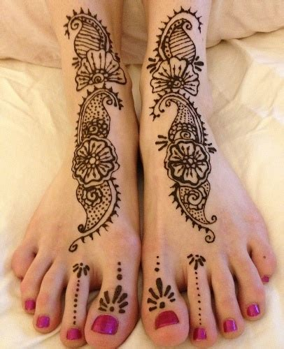 flower design mehndi 10 adorable flower mehndi designs for hands and feet with