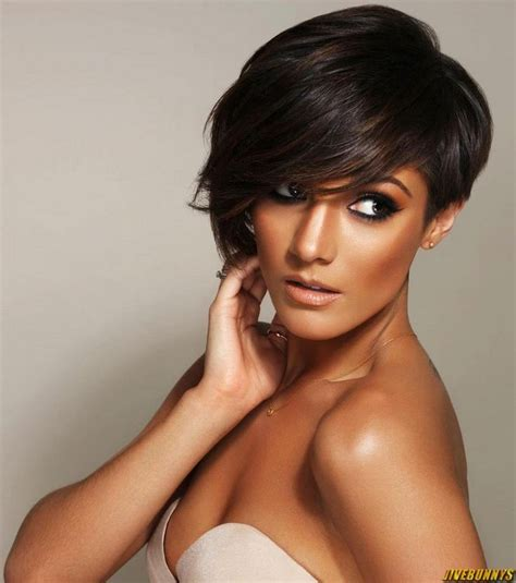 symetrical medium hair frankie sandford hair cut makeup pinterest frankie