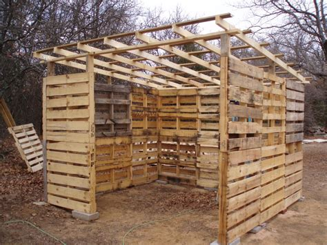 Pallet Sheds by Diy Pallet Shed Project Home Design Garden