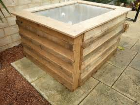 Backyard Plunge Pool Swimming Pool From Recycled Pallets Diy Projects For