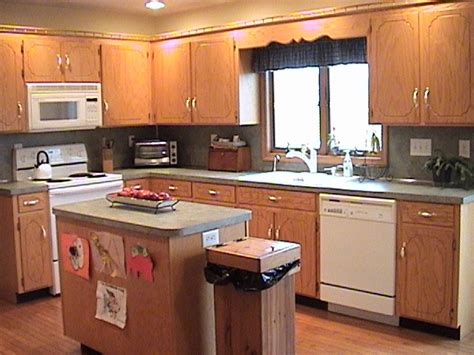 kitchen wall color with oak cabinets cabinets kitchendecorate net