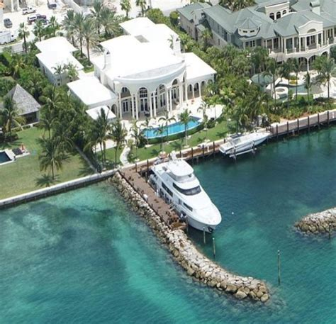 best yacht brokers 25 best ideas about yacht broker on yachts
