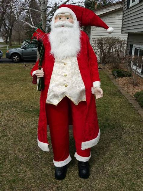 4 foot santas woah 6 foot santa claus prairie moving sale k bid