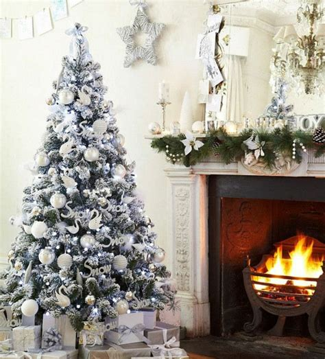 weihnachtsbaum schm 252 cken wei 223 und silber als