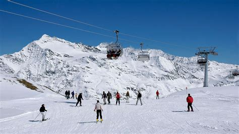 santa caterina valfurva ski trips for schools and groups