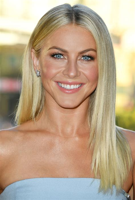 julianne hough shattered hair julianne hough hair knot beauty red carpets looks 2016