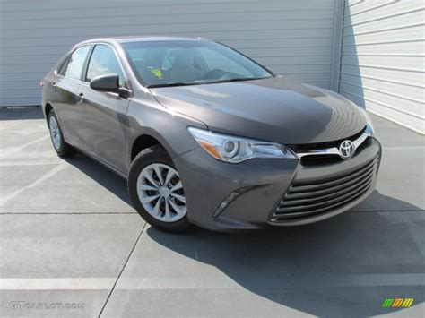 Grey Toyota Camry 2015 Predawn Gray Mica Toyota Camry Le 104603433