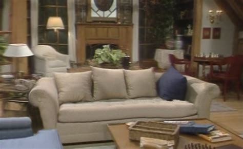 fresh prince of bel air living room 90 s sitcom living rooms