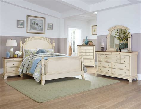 White Bedroom Furniture by Homelegance Inglewood Ii Bedroom Set White B1402w Bed