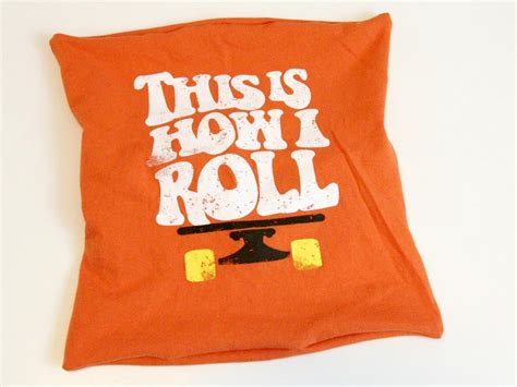 Pillows Out Of T Shirts how to make throw pillows out of t shirts how tos diy