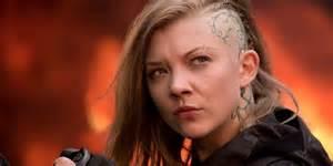 jonny lee miller tattoos katniss meets cressida and her crew in new hunger games mockingjay clip