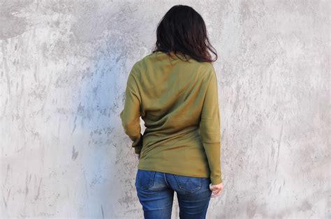 pattern magic twist top twisted jersey top pattern magic ladulsatina sewing blog