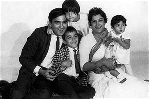sunil dutt and nargis wedding nargis and sunil dutt s marriage ignited by fire lovers
