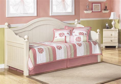 cottage retreat bed cottage retreat day bed