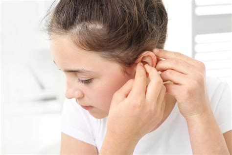 Ear Aches During A Detox by Earache And Ear Infection Home Remedies Reader S Digest