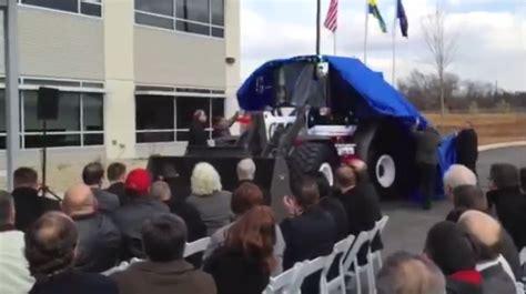 volvo celebrates shippensburg plant expansion  commemorative lg wheel loader equipment