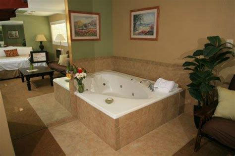hotel with bathtub in room 5 hottest hot tub hotels orbitz
