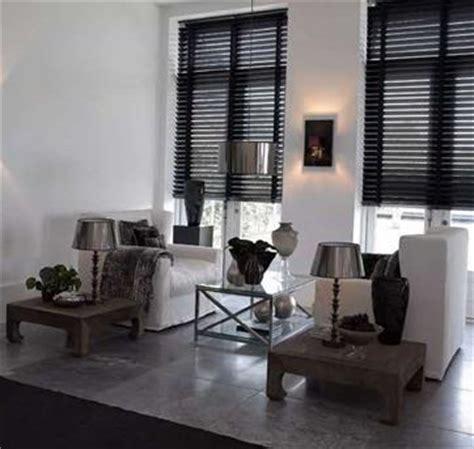 piräus bank aktie wonen woonkamer vt wit