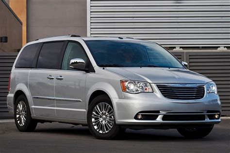 Chrysler Town And Country 2013 by 2013 Chrysler Town And Country Information And Photos