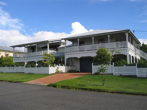 Oceanfront House Plans file queenslander house brisbane1 jpg wikimedia commons