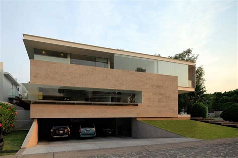 Luxurious Modern Mansion With Huge Cantilever In Modern House Plans With Underground Garage